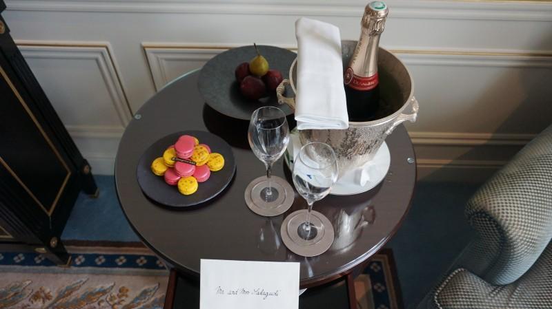 おすすめ高級ホテル シャングリラホテルパリ ウェルカムドリンク