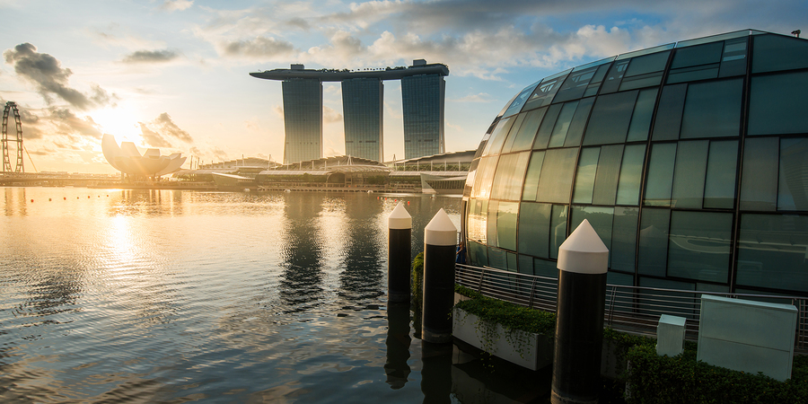 SINGAPORE -May 11: Wonderful sunrise at the Marina Bay waterfron
