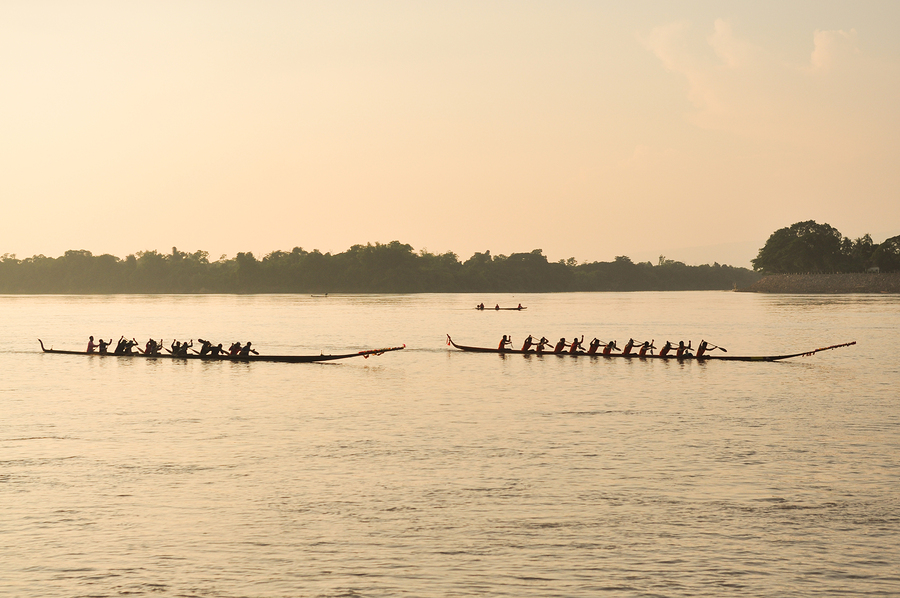 Nongkhai,thailand-oct 20:traditional Thai Long Boats Compete At