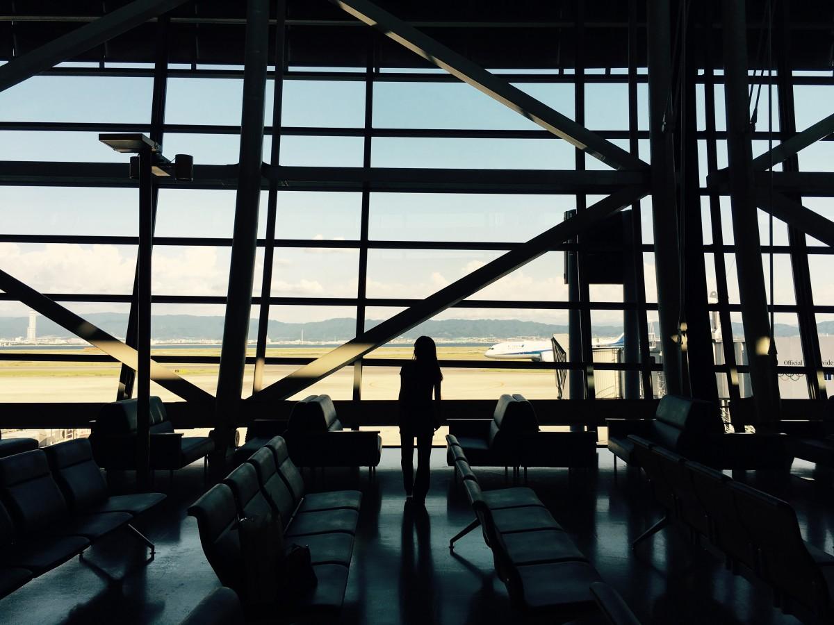 関西国際空港にて、フライト前の一枚。今回のフライトも妻と一緒です。
