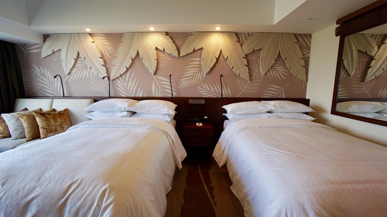 ベッド写真:シェラトン・グランデ・トーキョーベイ・ホテル(Sheraton Grande Tokyobay Hotel)の新客室「PARK WING ROOM(パークウイングルーム)」